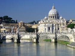Roma---Veduta-della-Basilica-di-San-Pietro-dal-Tevere.jpg