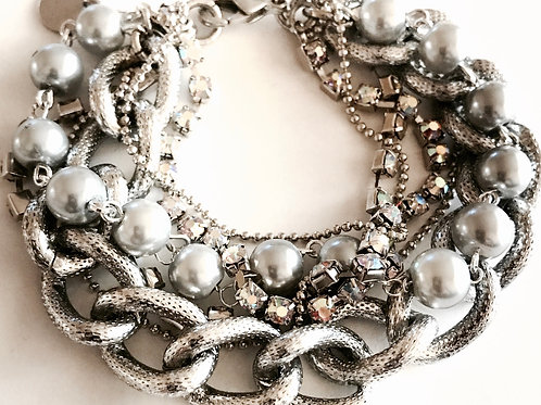 1340 MULTI SILVER CHAINS, PEARLS & STONES