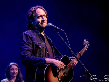Featured Artist - Hayes Carll