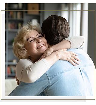 ESSILOR_0121_Hugs_Static.jpg