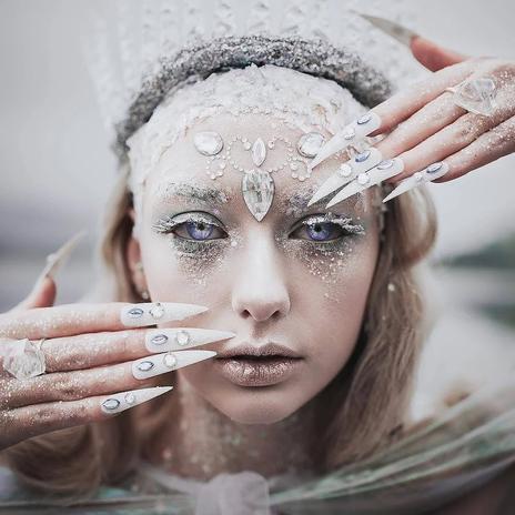 Ice-Queen-Halloween-Makeup-Ideas.jpg