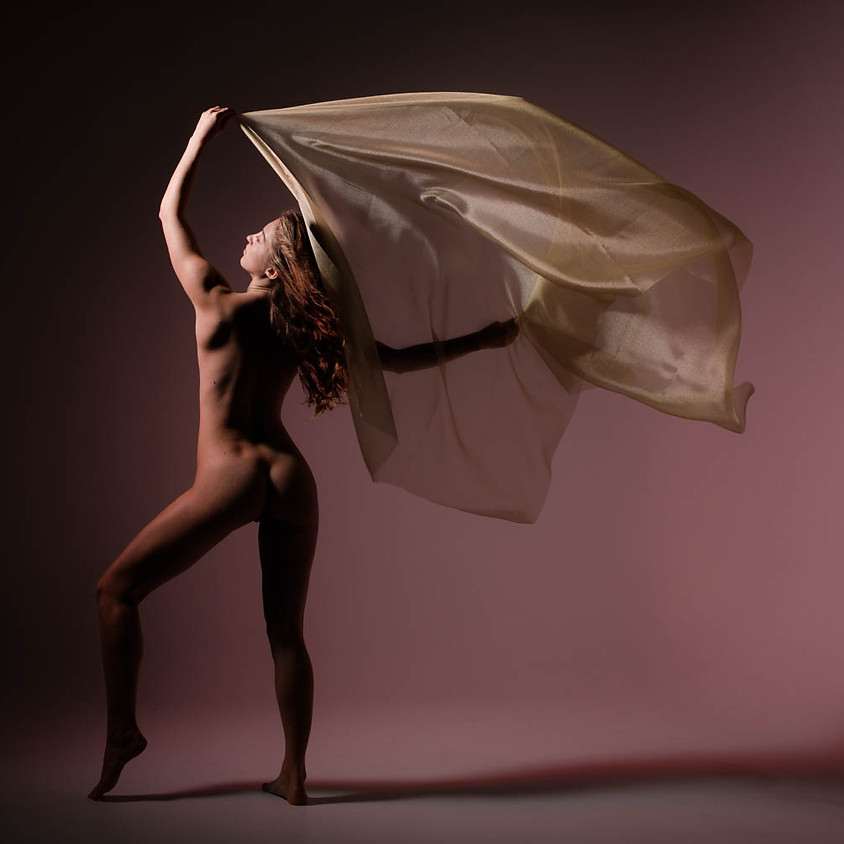 Creative Nudes Workshop with Lucy Artmodel