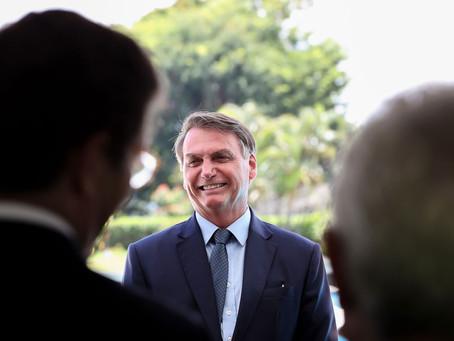 """Bolsonaro diz que haverá """"novidade"""" sobre preço de combustíveis nesta semana"""
