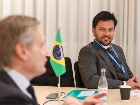 Ministro Fábio Faria pede à AstraZeneca rapidez na remessa de vacinas