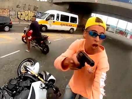 Dupla armada rouba motocicleta na zona rural de Luís Gomes/RN