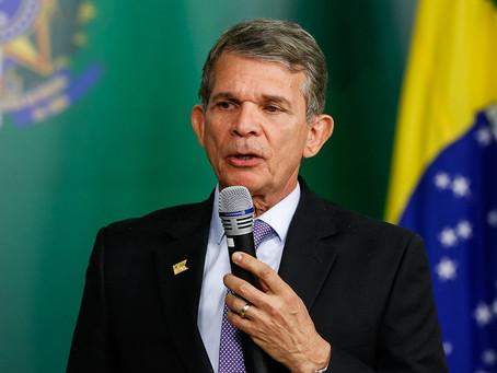 Presidente da Petrobras descarta mudança na política de preços