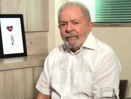 """Lula diz que Bolsonaro não soube """"educar os filhos"""""""