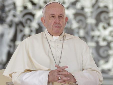 Papa sente fortes dores e não conduzirá missas de Ano Novo