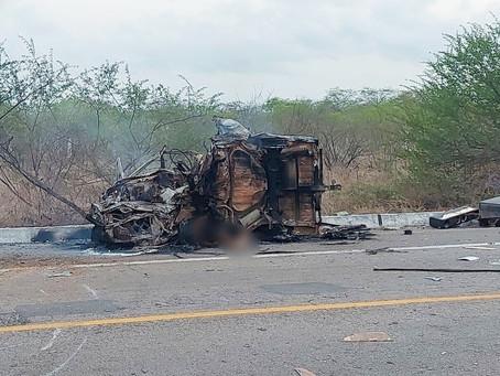 Motorista morre carbonizado após acidente na BR-304, em Lajes
