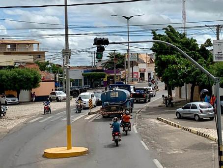 Prefeitura de Apodi multa em R$ 100 quem espalhar Covid e impõe toque de recolher