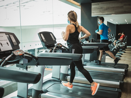 Atividade física regular diminui riscos de Covid grave, diz estudo