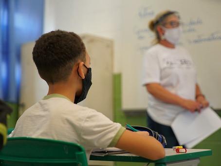 Governo Federal inclui trabalhadores da educação no grupo prioritário de vacinação contra Covid-19
