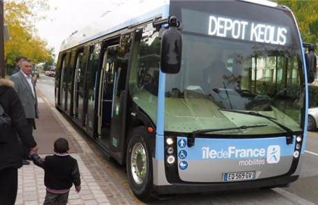 Motorista de ônibus é morto após recusar passageiros sem máscara na França
