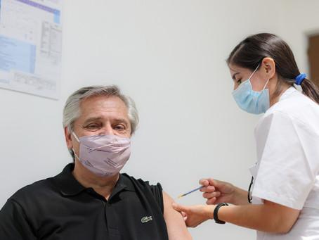 Vacinado, presidente da Argentina testa positivo para covid-19