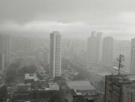 Inmet alerta para chuvas intensas em 98 cidades do RN; veja lista