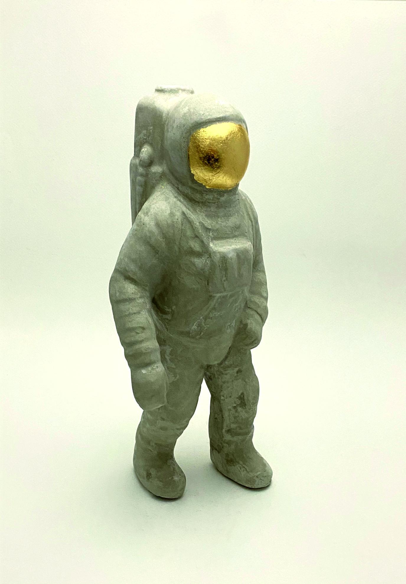 L721_astronauta cemento