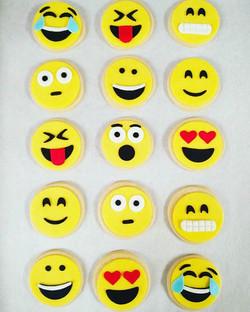 Emoji Sugar Cookies!!! YES Please!_😁😍😊😬😉😀😂 #emojicookies #treatsandsweetscakery #daytonabeach
