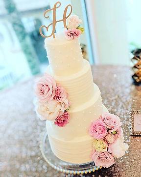 Fabulous buttercream wedding cake at _cr