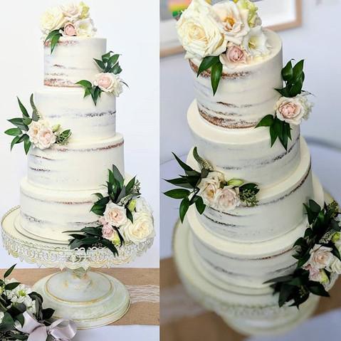 Gorgeous semi-naked cake with fresh flow