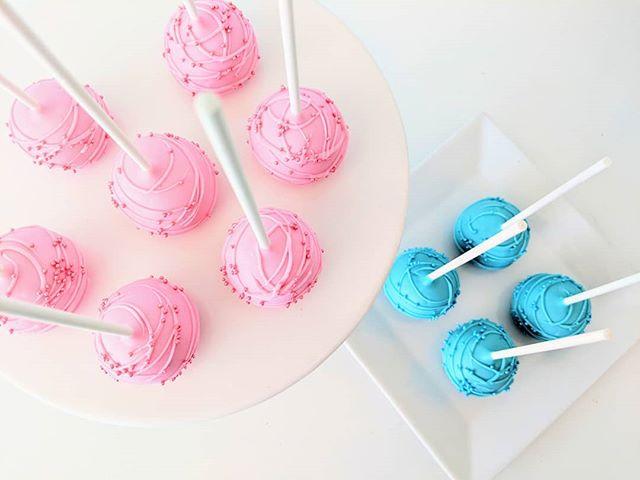 CAKE POPS!! Available _treatsandsweetsca