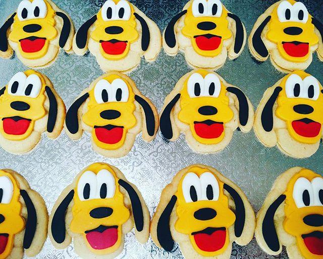 Pluto Sugar Cookies_#plutocookies #mickeymouseclubhouse #treatsandsweetscakery