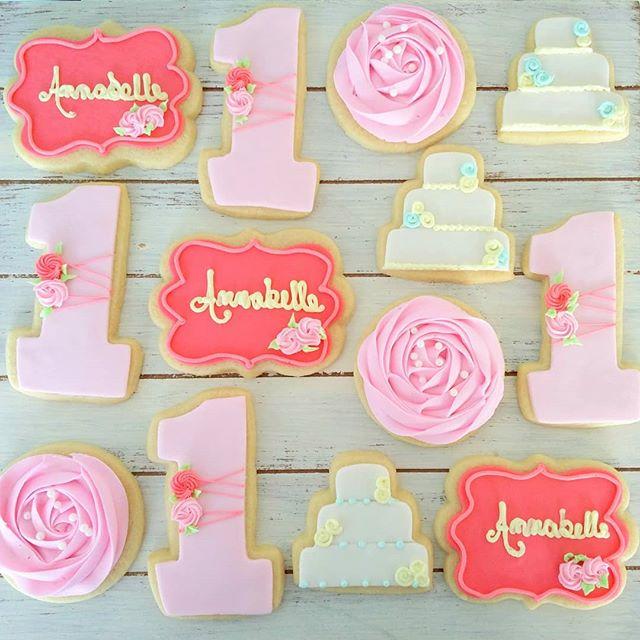 Happy 1st birthday Annabelle! 💕_#sugarc