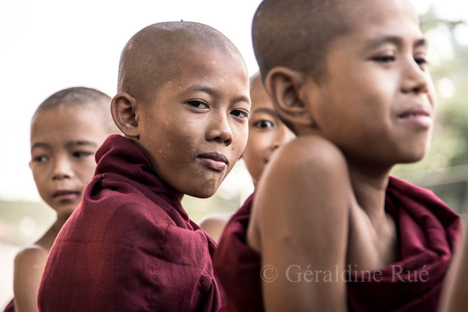Moines en Birmanie © Géraldine Rué