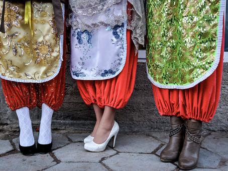 Bulgarie : quand le tablier est un accessoire de mode