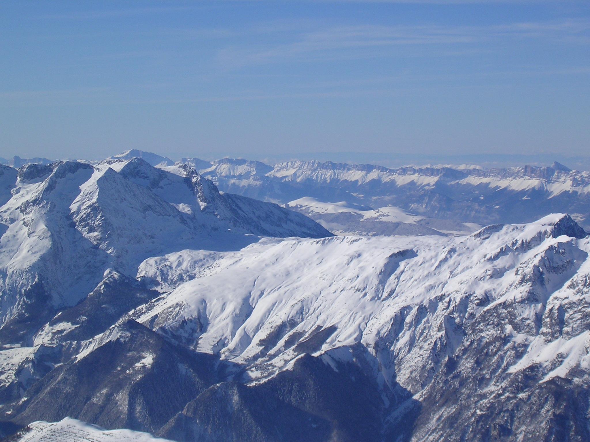 Le Taillefer et au loin le Vercors vue du Pic Blanc