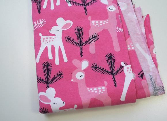 Tissu rose avec faons (120 cm de large et 80 de haut)