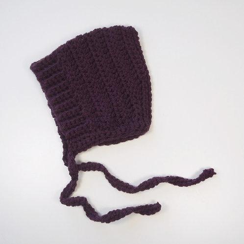 Bonnet couleur aubergine (2 à 6 mois)