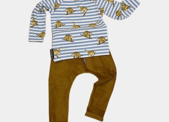 Pull avec paresseux et pantalon couleur came (18-24 mois)