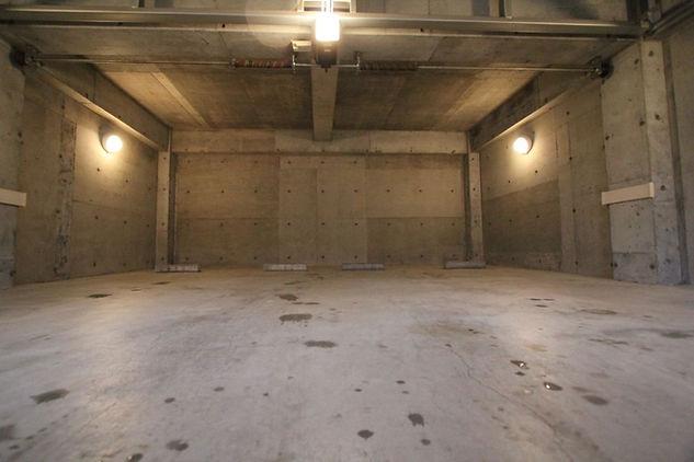 当館ガレージ185cm2台まで駐車可