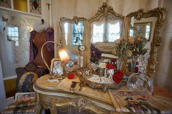 ロココ・アールヌーボーの主寝室