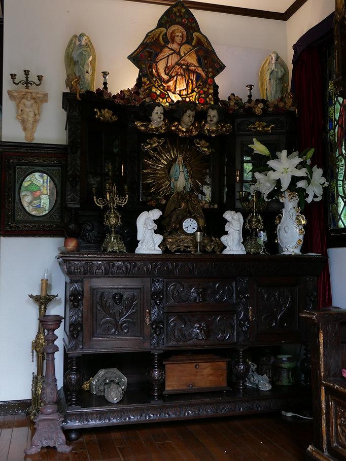 18世紀ゴシックアンティークキャビネット