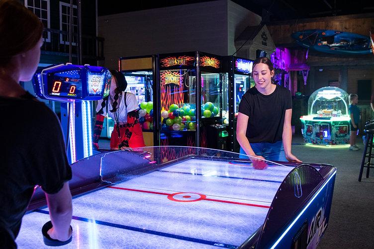 arcade play at grand station.JPG