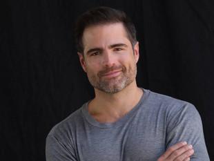 Roberto Manrique en lista de TV y Novelas