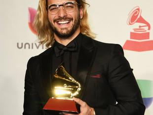 Maluma renueva su contrato con sello Sony Music