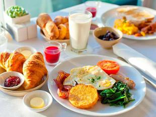 ¿Por qué no debe olvidarse de desayunar?