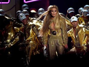 Desaciertos, homenajes y premios en gala de los MTV
