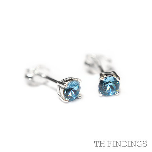 Sterling Silver 925 4mm Round Aquamarine Cubic Zirconia Earstuds