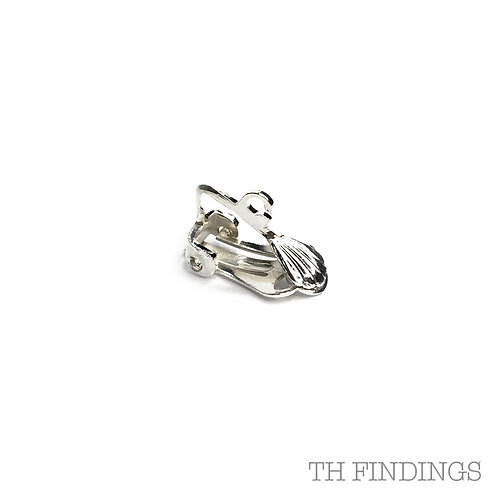 18mm Earclip with Ring in Plated Finish