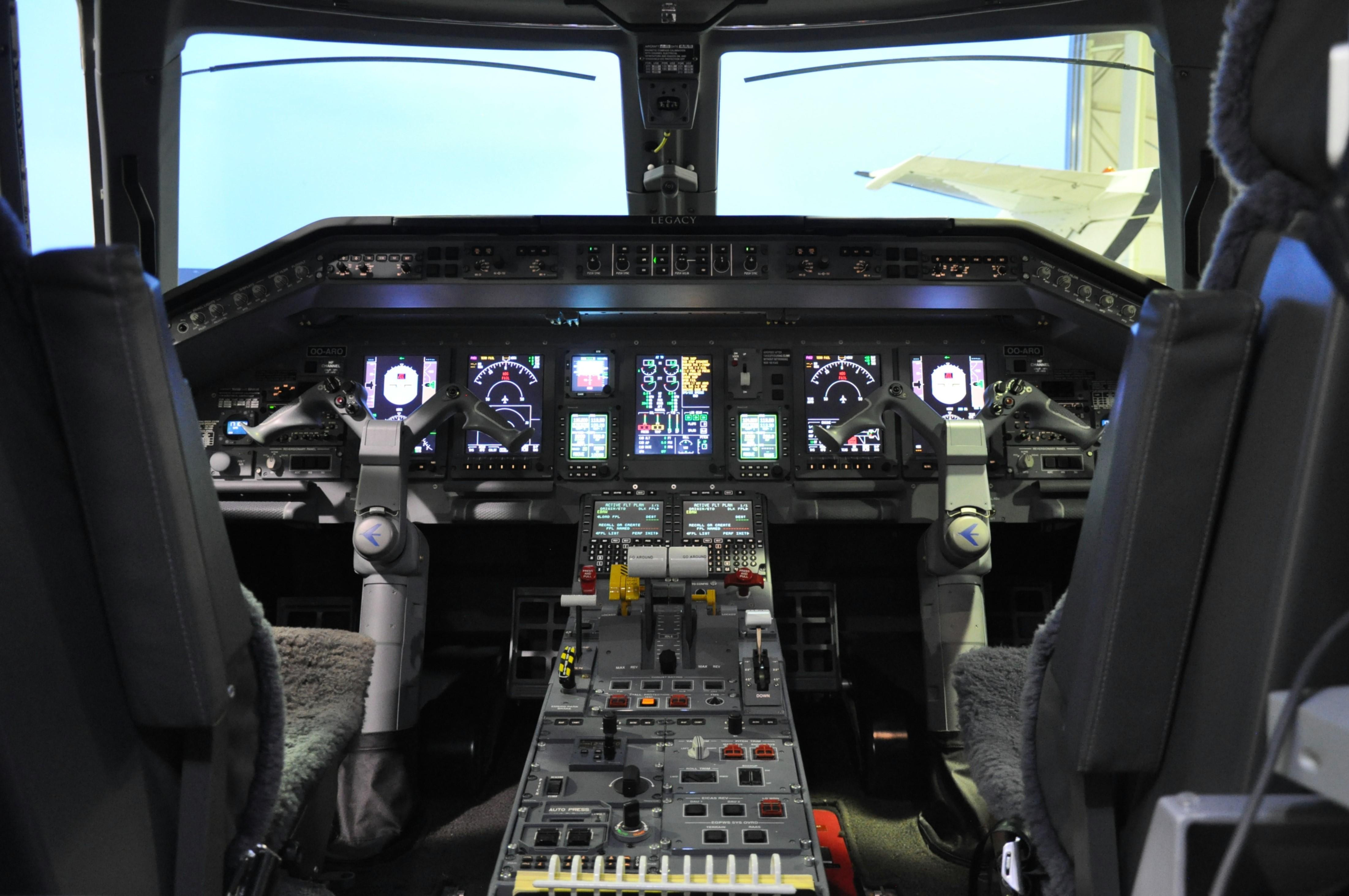 Embraer 650 - Cockpit