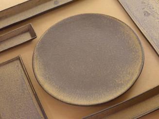 【水野幸一・みずのみさ展】より、銅彩の器と銀彩のガラスなど