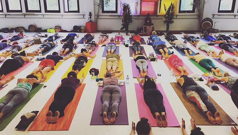 Benita Wolfe Yoga Biarritz.jpg