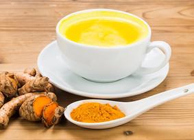 Wat is kurkuma-thee en hoe maak je het?