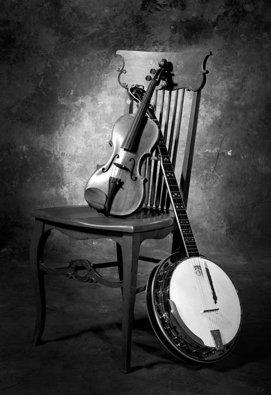 Still life, Banjo and Fiddle