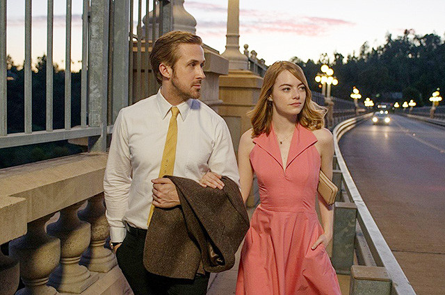 movie review, ryan gosling, emma stone, la la land, lalaland, walking on the street, Los Angeles