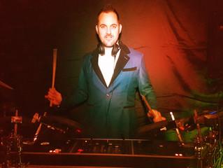 Mr Milow as Drum DJ
