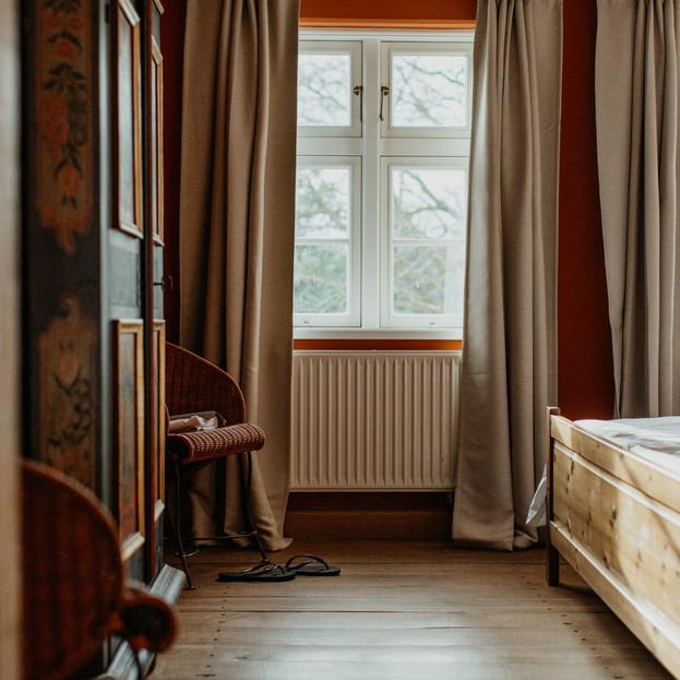 Schlafzimmer_1_Darßer_Kapitänshaus_Wieck